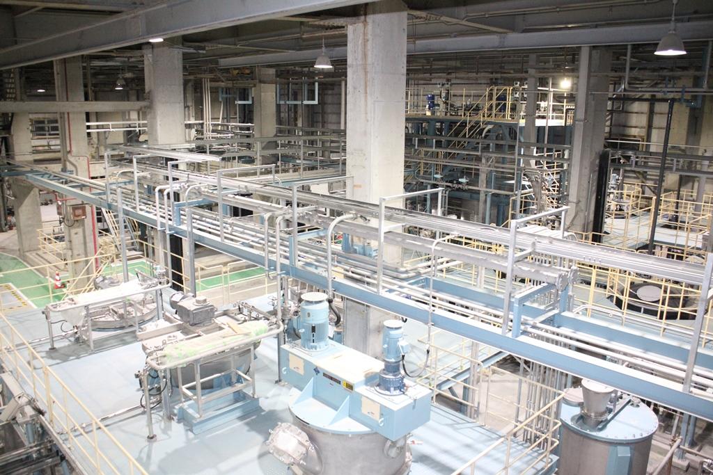 石巻工場のCNF量産設備1